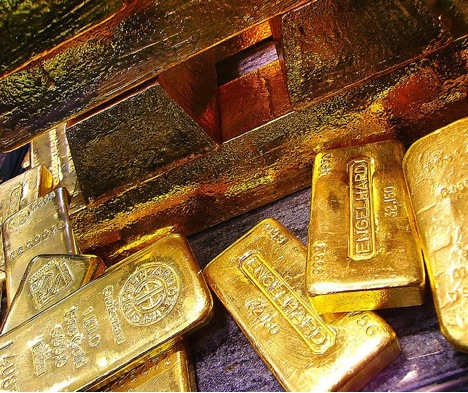 Investing in Gold Photo